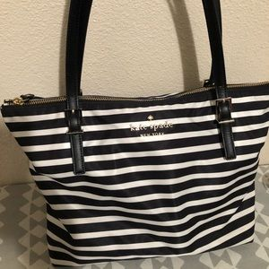 Kate spade medium size purse